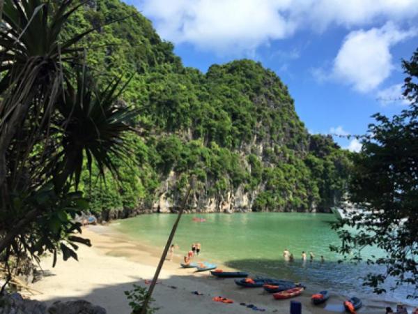 Playas paradisíacas en Vietnam que tienes que conocer - Ban Chan, una de las playas del norte de Vietnam que tienes que ver