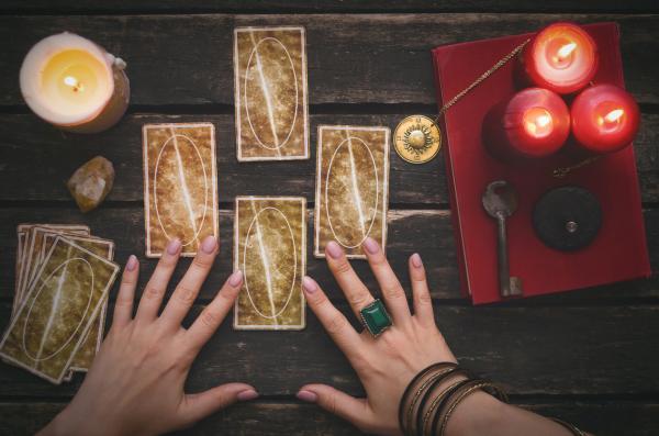 Tarot profesional: cómo es y dónde encontrarlo - ¡Conócelo!