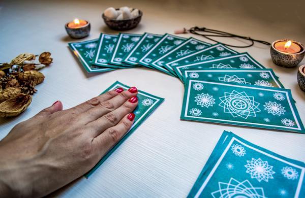 Tarot profesional: cómo es y dónde encontrarlo - ¡Conócelo! - Tipos de tiradas de cartas de tarot profesional