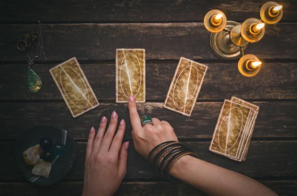 Tarot de 3 cartas - ¡Descúbrelo aquí! - Qué es el tarot de 3 cartas