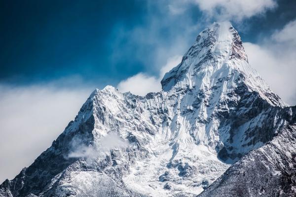 Los mejores países para practicar deportes extremos - Nepal, montañas y aventura sin igual