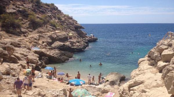 Playas bonitas en Alicante provincia - Cala Racó de Conill (Villajoyosa)