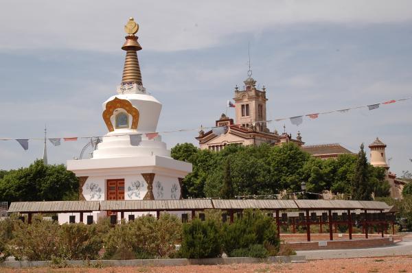 Los templos budistas en España más bonitos - Sakya Tashi Ling, uno de los mejores templos budistas de Barcelona