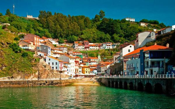Pueblos románticos de Asturias - Cudillero, un bello atardecerse frente al mar