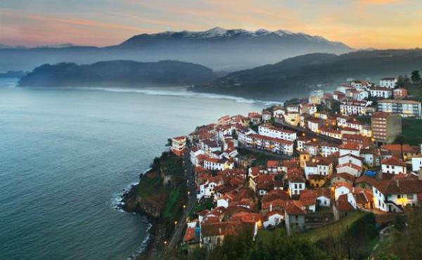 Pueblos románticos de Asturias - Lastres, uno de los pueblos más bonitos de España