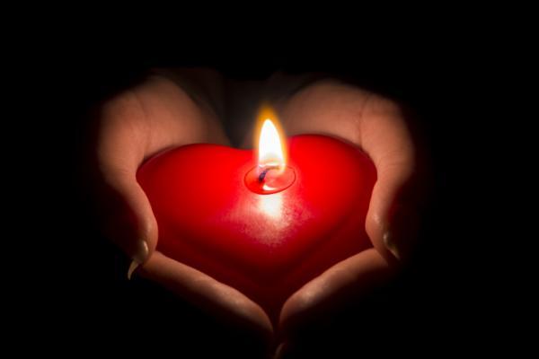 Amarres de amor, conjuros y hechizos para el amor: ¿qué son y para qué sirven?