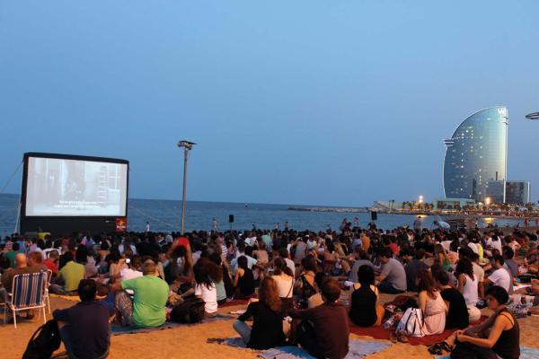 Qué hacer en verano en Barcelona - Cine al aire libre en Barcelona