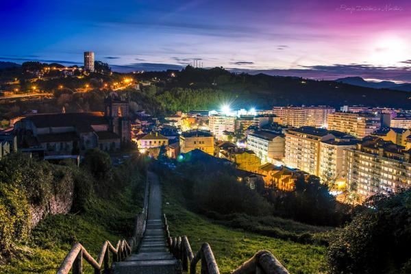 5 pueblos con encanto en Cantabria - Laredo, una villa marinera llena de color