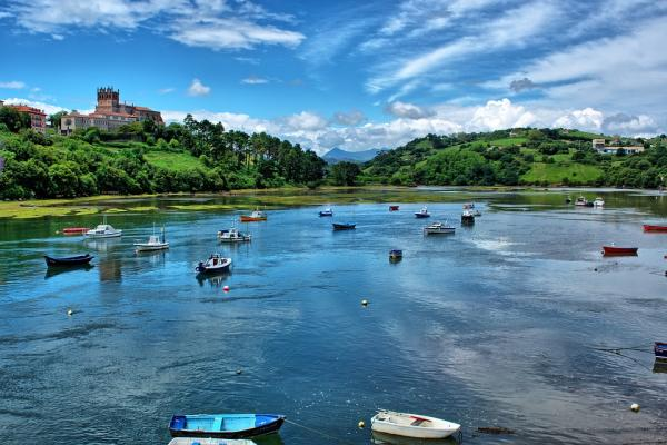 5 pueblos con encanto en Cantabria - San Vicente de la Barquera, una bella estampa marinera