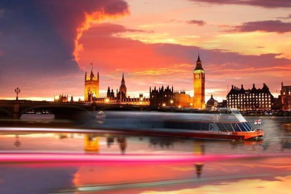 Cena con música en directo en Londres - Crucero por el Támesis con música en directo