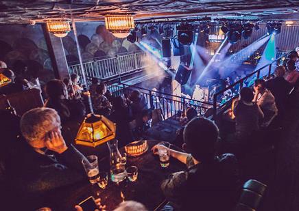 Cena con música en directo en Londres - Jazz Cafe, restaurante y música en vivo en Londres