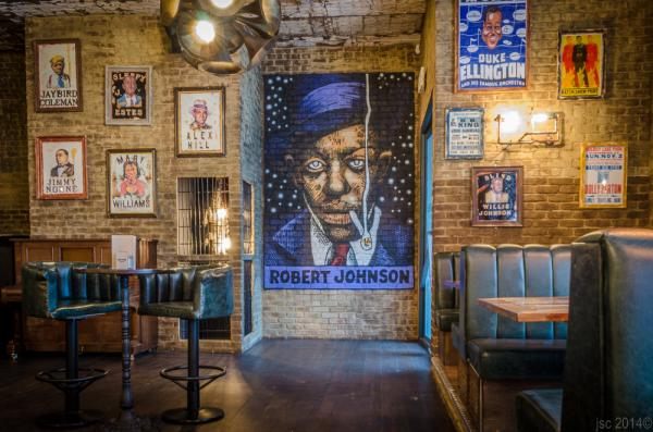Cena con música en directo en Londres - The Blues Kitchen, uno de los mejores locales de blues en Londres