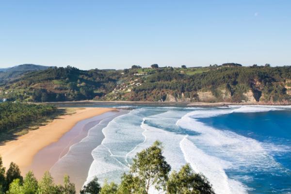Playas bonitas en Asturias - Playa de Rodiles (Villaviciosa)