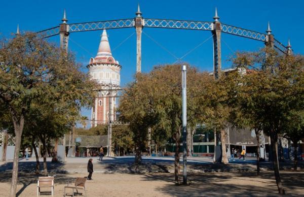 Dónde jugar al ping pong en Barcelona - Parque de la Barceloneta, ping pong al lado de la playa