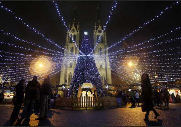 Los 5 mejores mercadillos de navidad en Praga - Mercado de Plaza de la Paz