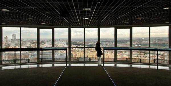 Dónde ver el mejor atardecer en Madrid - Mirador del Faro de Moncloa