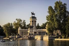 Dónde ver el mejor atardecer en Madrid - Parque El Retiro, ideal para ver atardecer en Madrid