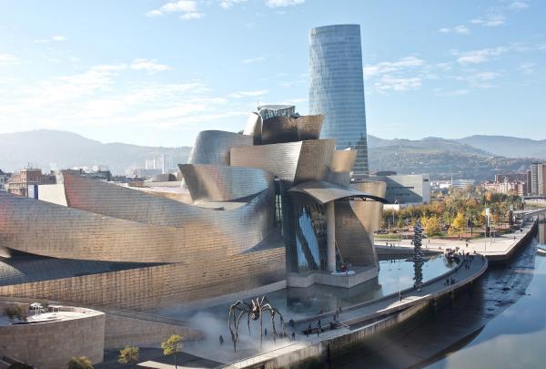 Parking del aeropuerto - Precios y estacionamiento - Qué visitar alrededor del aeropuerto de Bilbao
