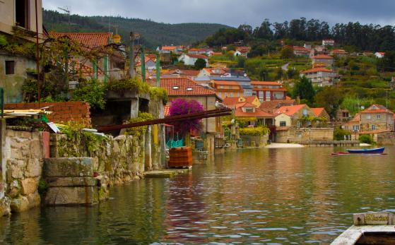 5 pueblos con encanto en Galicia - Combarro (Pontevedra), uno de los pueblos más bonitos de Galicia