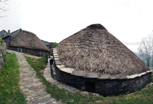 5 pueblos con encanto en Galicia - O Cebreiro (Lugo), un pueblo único del Camino de Santiago