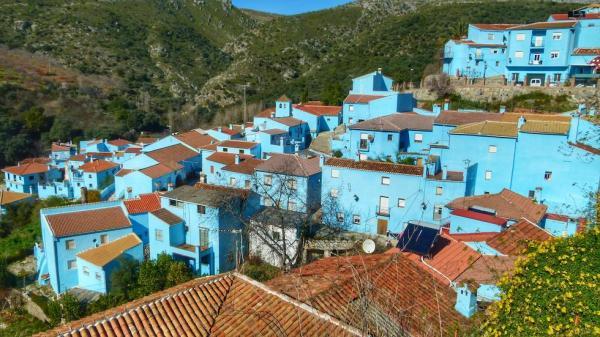 6 pueblos con encanto en Andalucía - Júzcar, otro pueblo con encanto en Andalucía
