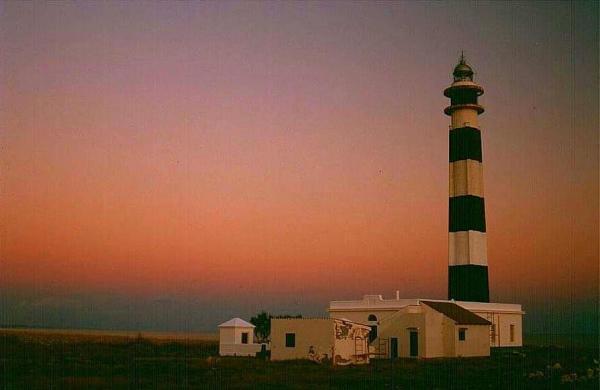 Dónde ver el mejor atardecer en Menorca - Faro de Artrutx