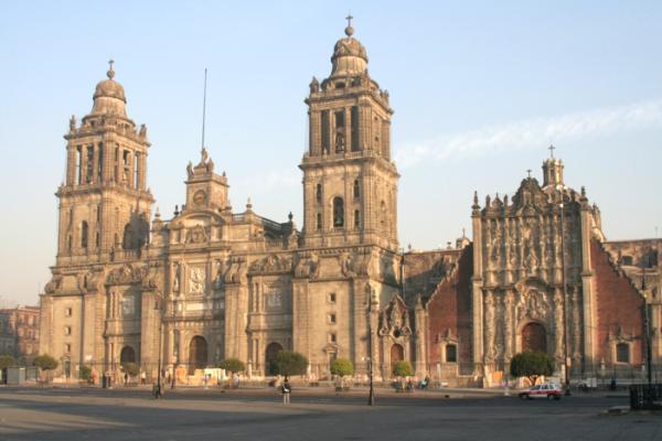Qué hacer en la ciudad de México - 2. Visitar la Catedral Metropolitana de México