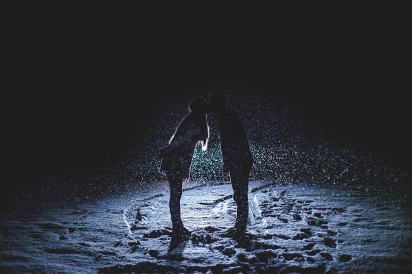 Ideas para celebrar fin de año en pareja - Escapada romántica a la nieve
